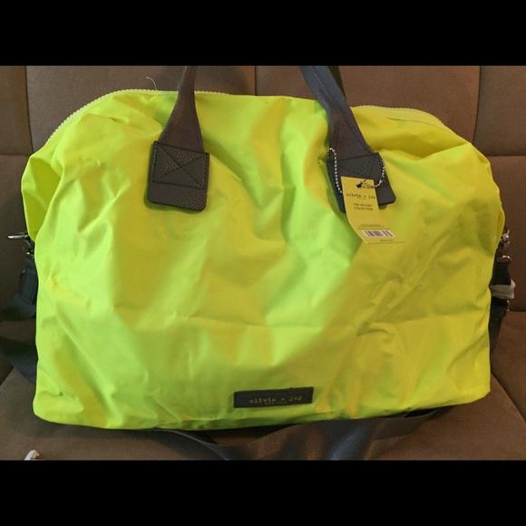 Olivia and Joy Gym Overnight Bag NWT daf409f573482